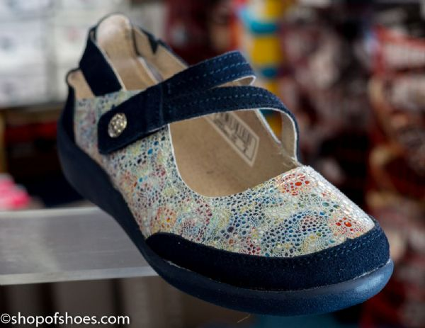 Leather blue suede comi flower pattered bar shoe.